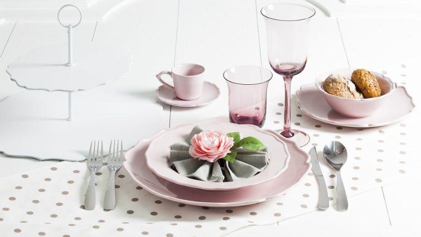 Piatti Stile Shabby Chic.Stoviglie Shabby Chic Per Una Cucina Di Stile E Fascino Ambiente